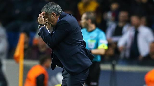 Şenol Güneş, Başakşehir maçında çıldırdı