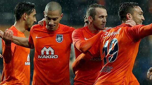 Yedek kulübesinin gole katkısında lider Başakşehir
