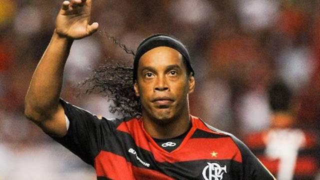 Ronaldinho'dan sürpriz karar!