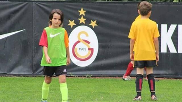 Arma Turan  FcBarcelona Uluslararası Futbol Turnuvası'nda forma giyecek