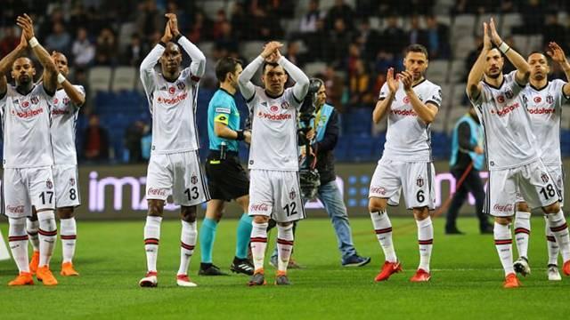 Beşiktaş 10 isimle yollarını ayırıyor