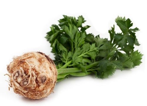 Kereviz-Bol-Miktarda-A-vitamini-içerir-ve-göz-sağlığını-korur