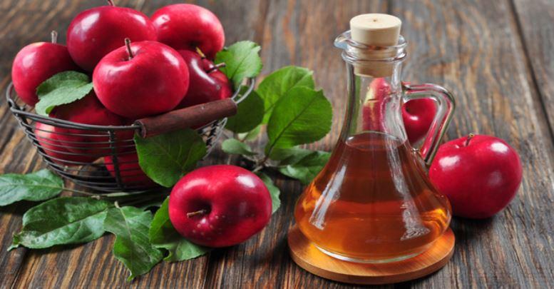 Mide-ekşimesi-için-elma-sirkesi
