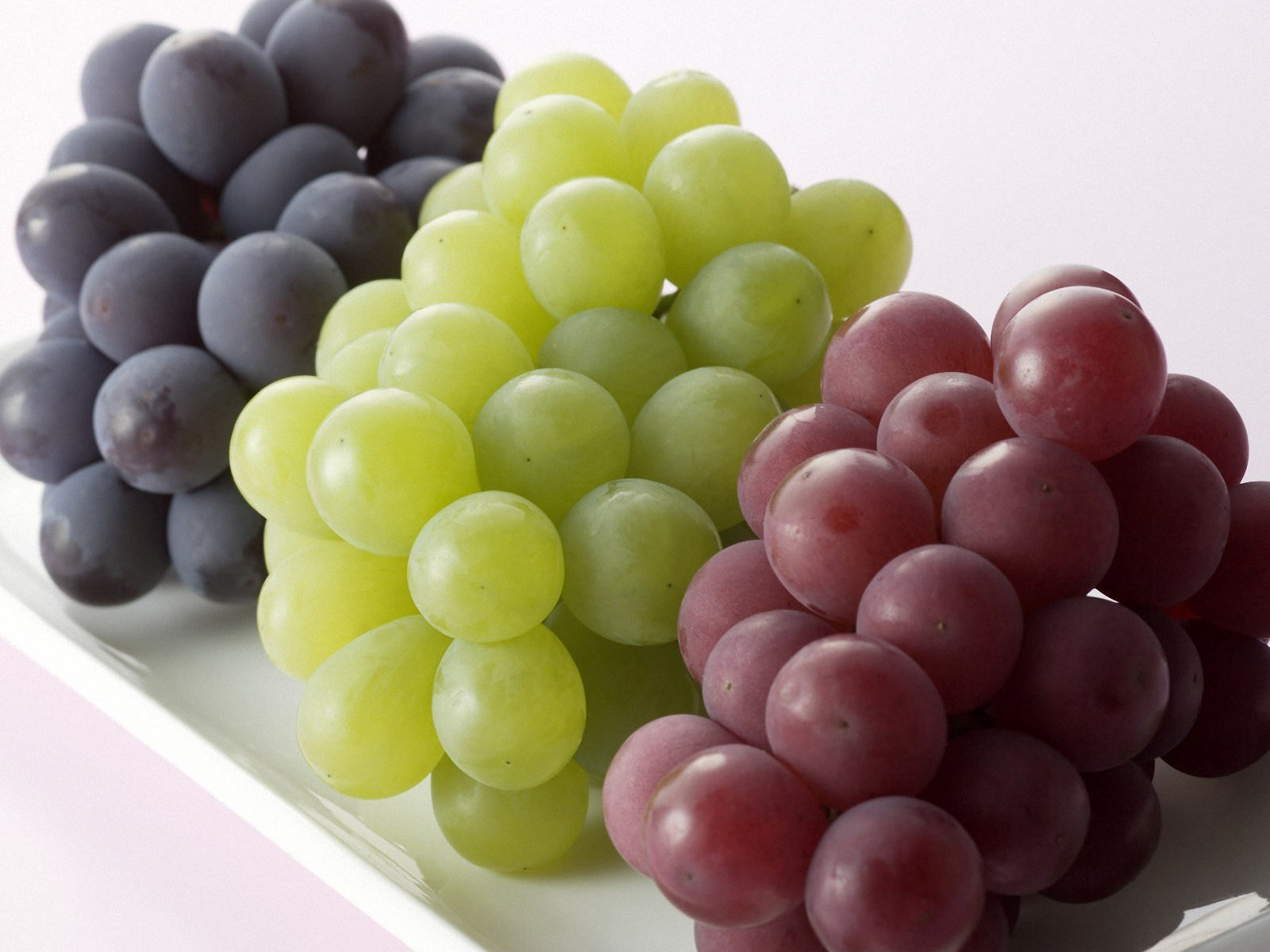 grape-wallpaper_174649-1600x1200