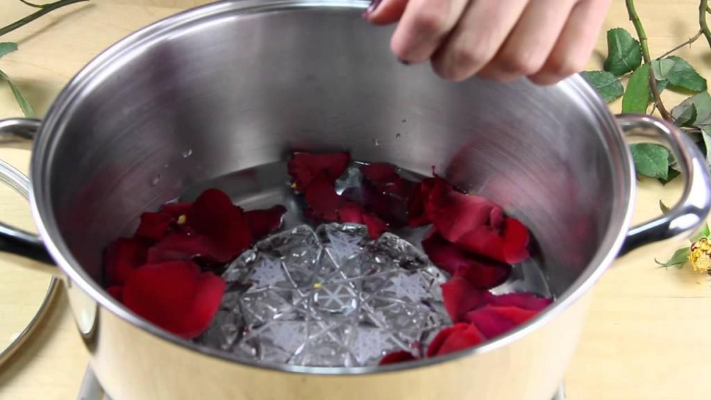 Evde gül suyu nasıl yapılır