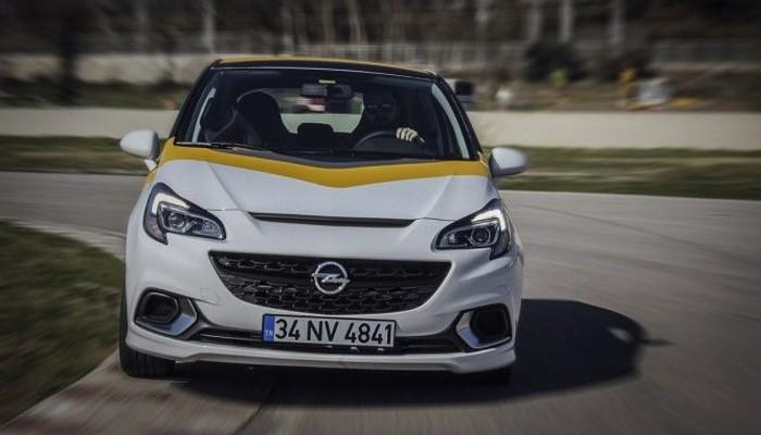 Opel Corsa OPC'ler piste iniyor